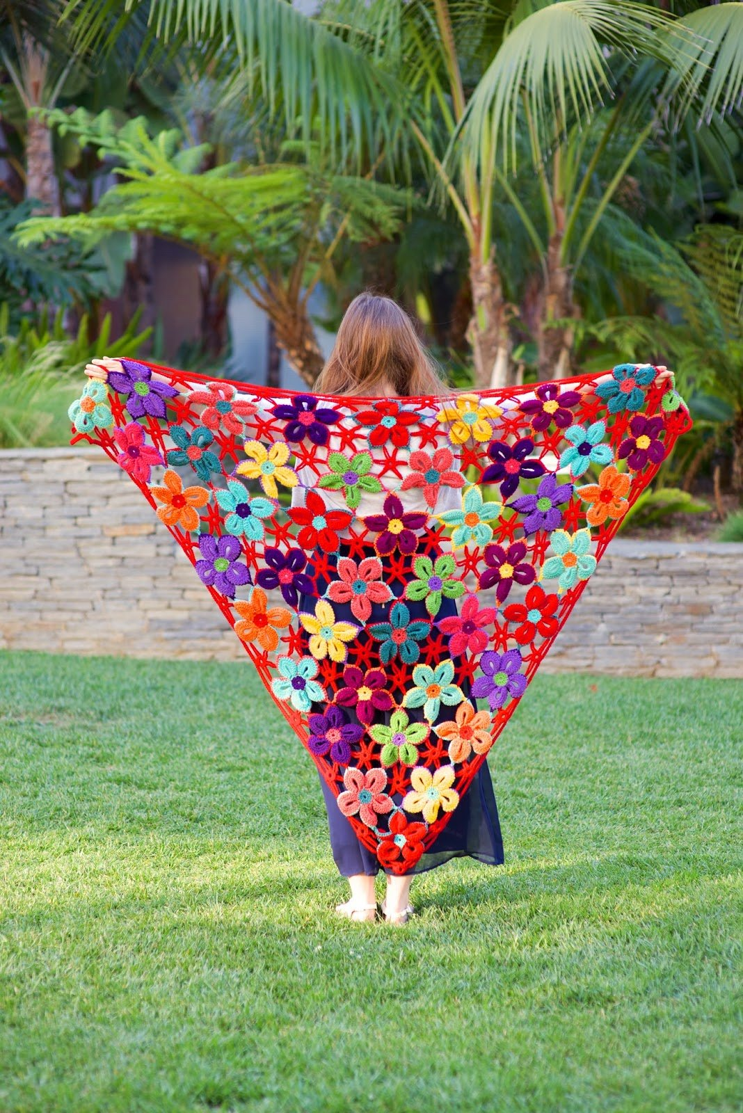 Mexican Flower Motif Shawl #shawl #crochet
