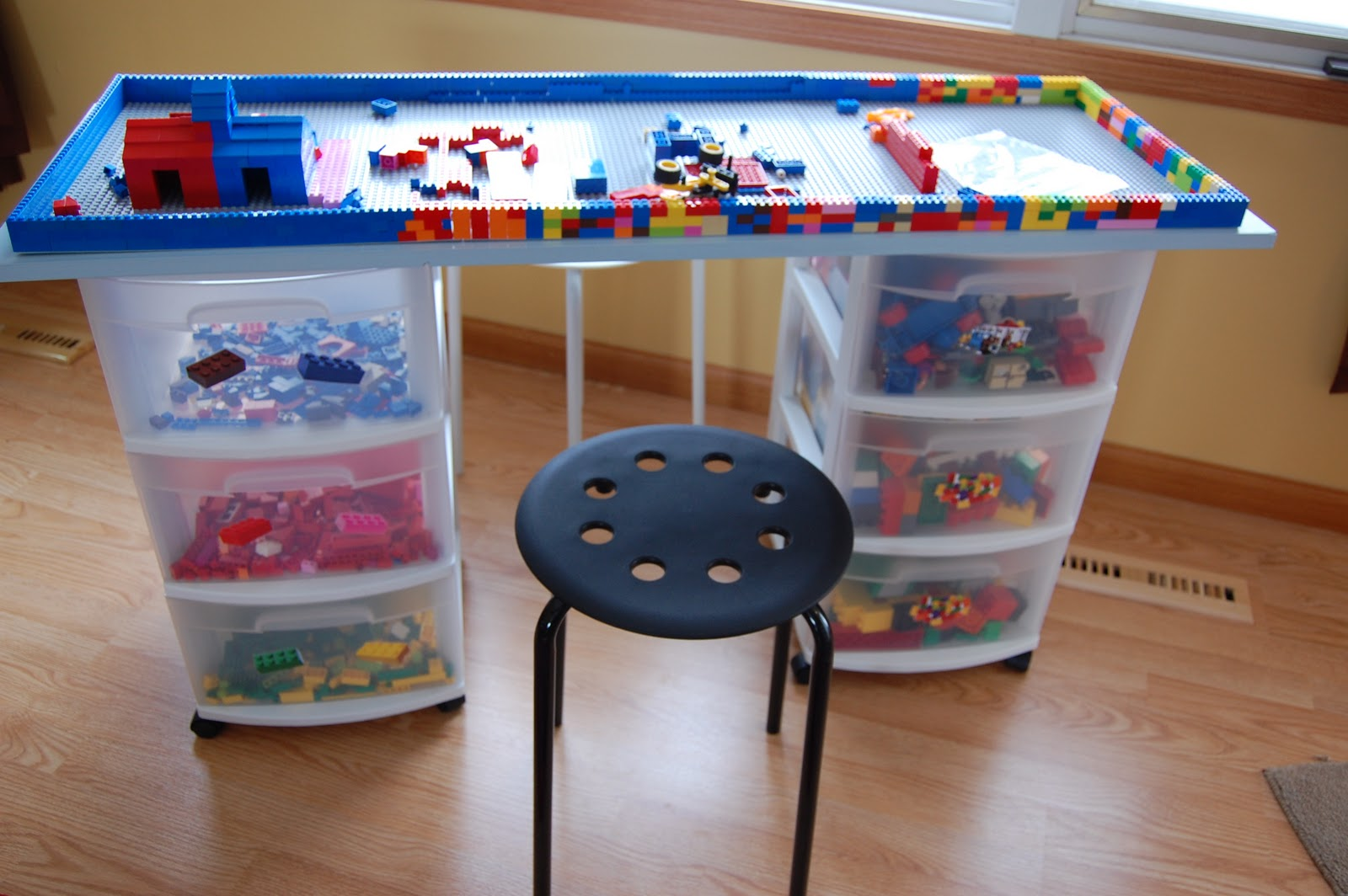 DIY Lego Storage and Play Table -3