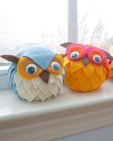 DIY SWEET Felt Owls from Styrofoam Balls
