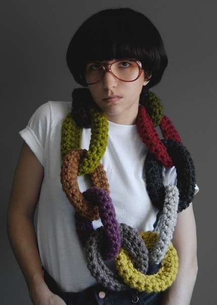 20 Cool Creativity And Funny Winter Scarf Designs Oversized Knitted Chain Scarf