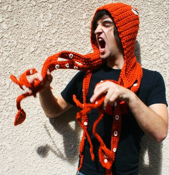 20 Cool Creativity And Funny Winter Scarf Designs-Octopus Hat and Scarf