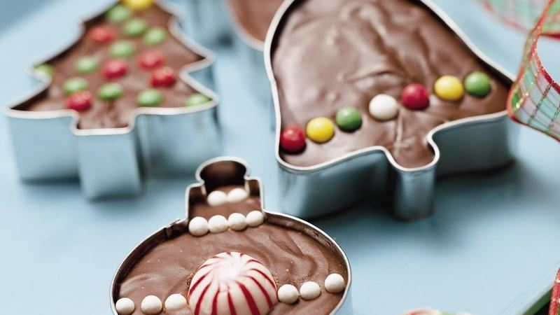 Things You Never Thought to Do With Christmas Cookie Cutters-Cookie Cutter Fudge