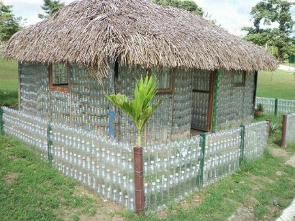 How to Build a Greenhouse Made From Plastic Bottles 1