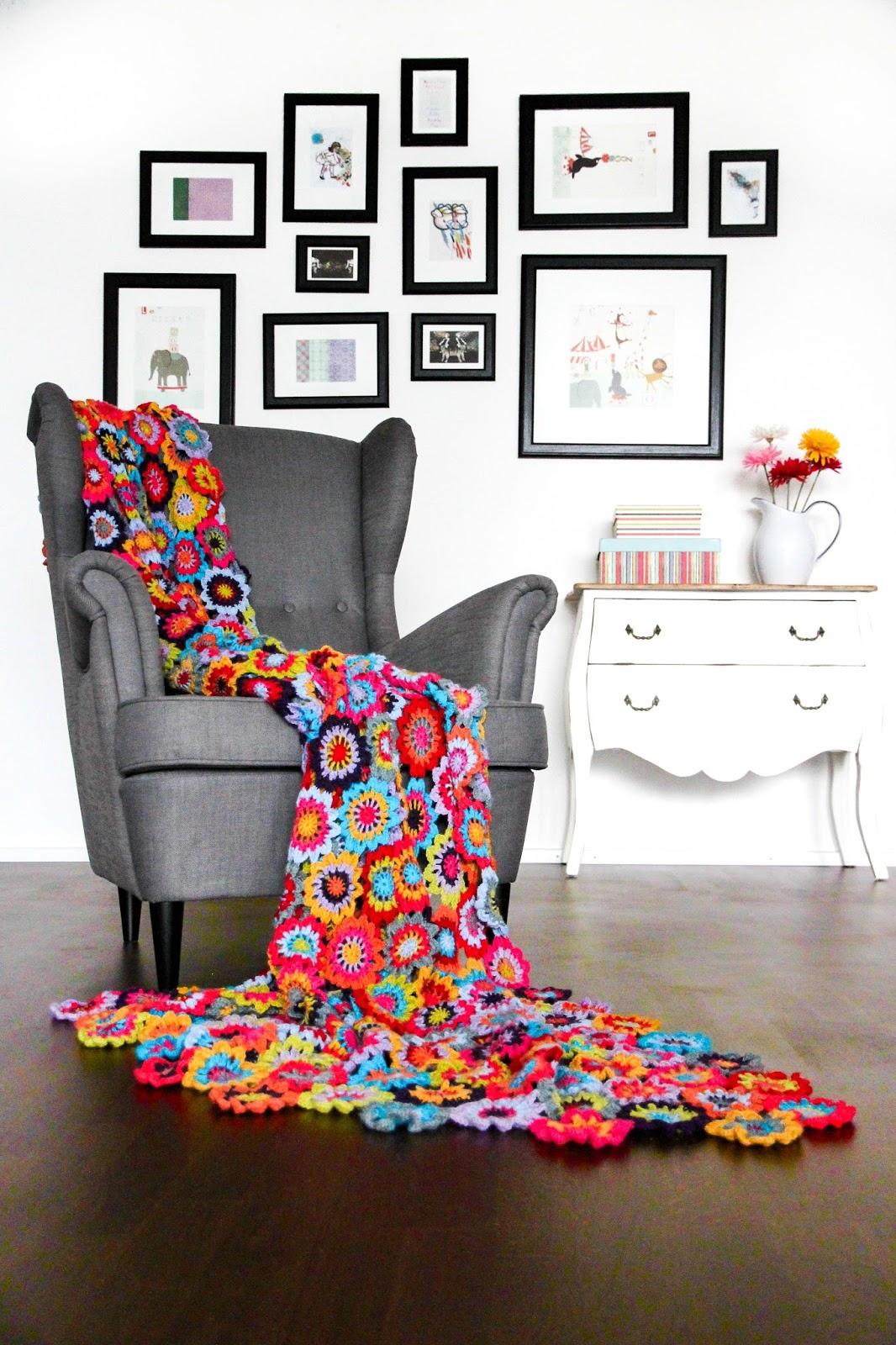 Modern Crochet Flower Pattern : Crochet Japanese Flower with Free Pattern