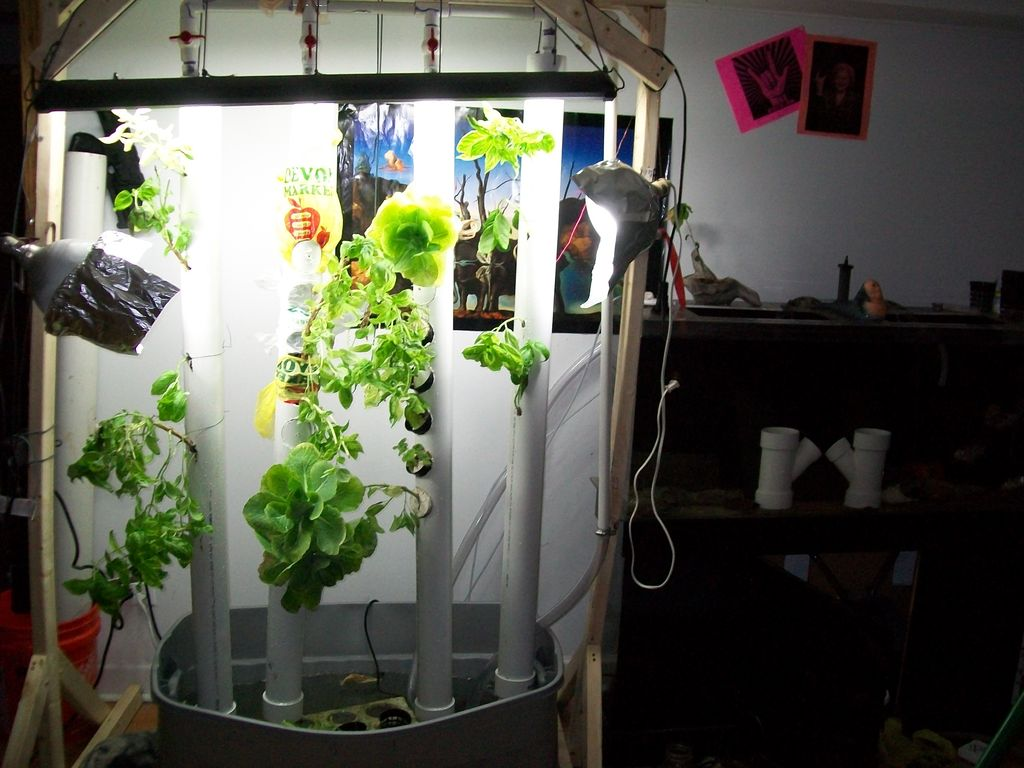 DIY PVC Vertical Aquaponic Garden #DIY #PVC # Aquaponic #Garden