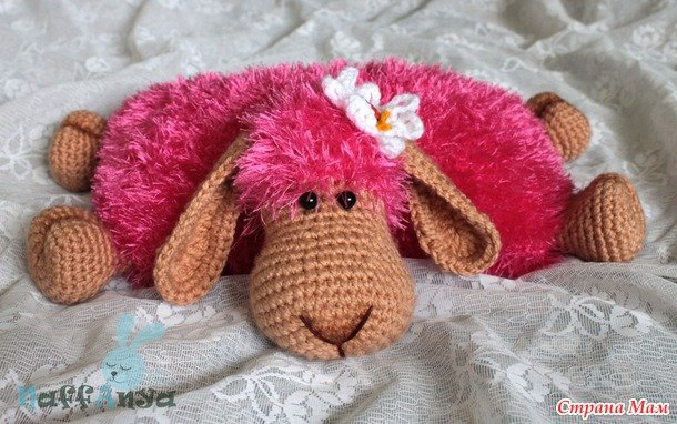 DIY Adorable Knitted Lamb Pillow pink