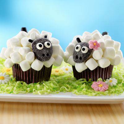 DIY Marshmallow Sheep Cupcakes