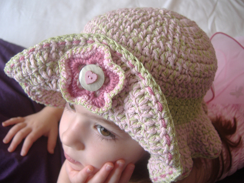 Free Summer Hats to Crochet for Kids - adorable ruffles Sun hat