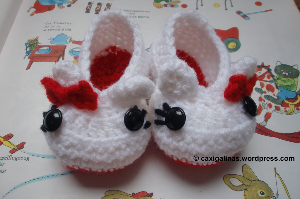 Kitty Booties with free pattern