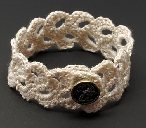 Crochet Pretty Bracelets With Patterns Page 3 Of 3
