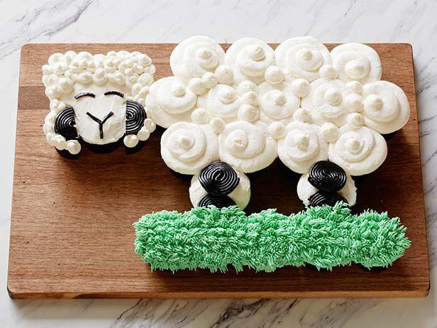 Little Lamb Pull-Apart Cupcakes
