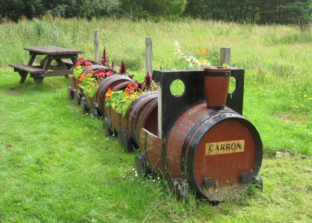 barrel planter train
