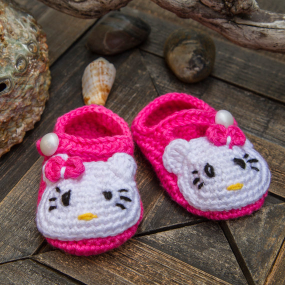 crochet baby hello kitty pink booties shoes