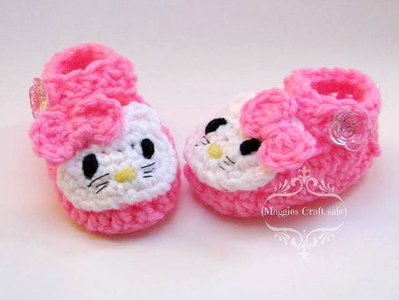 crochet baby hello kitty pink booties