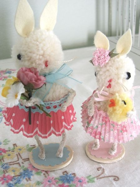DIY Adorable Pom Pom Bunnies