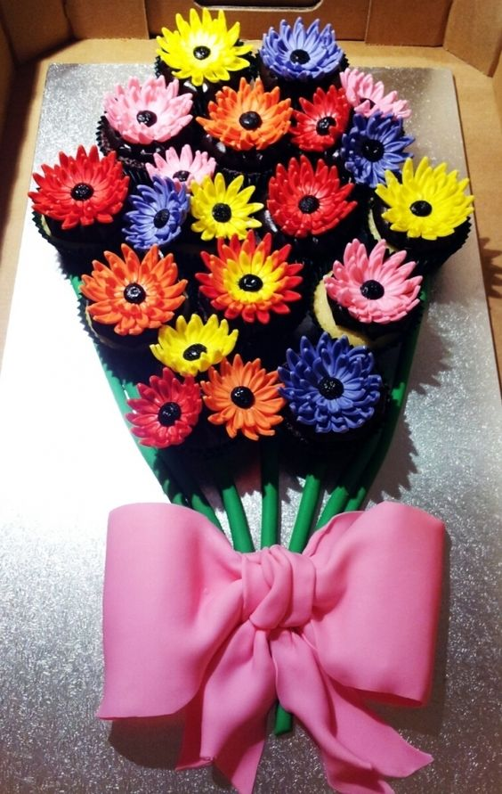Pull Apart Bouquet Of Flowers Cupcakes Cake