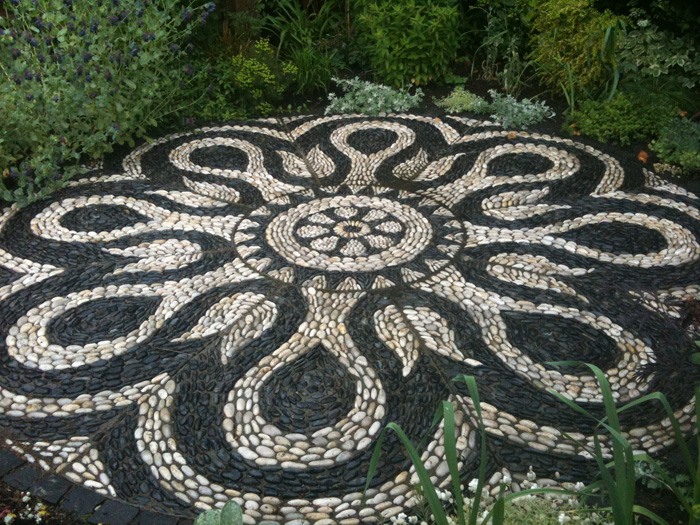 Cool Pebble Pathway Ideas for Your Garden
