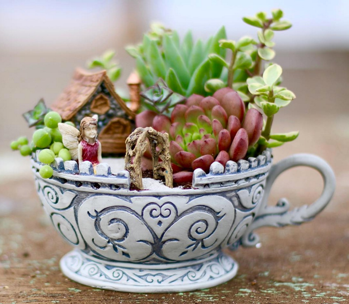 25 indoor succulent diy project ideas page 2 of 4 for How to make an indoor succulent garden
