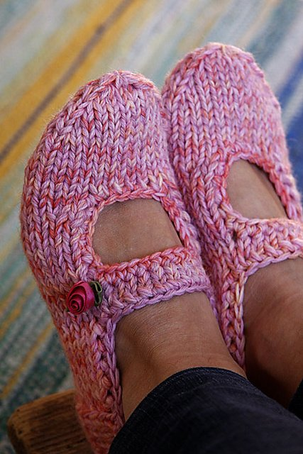Free Knitting Pattern For Knitted Slippers : 20+ DIY Slipper Knitting Patterns