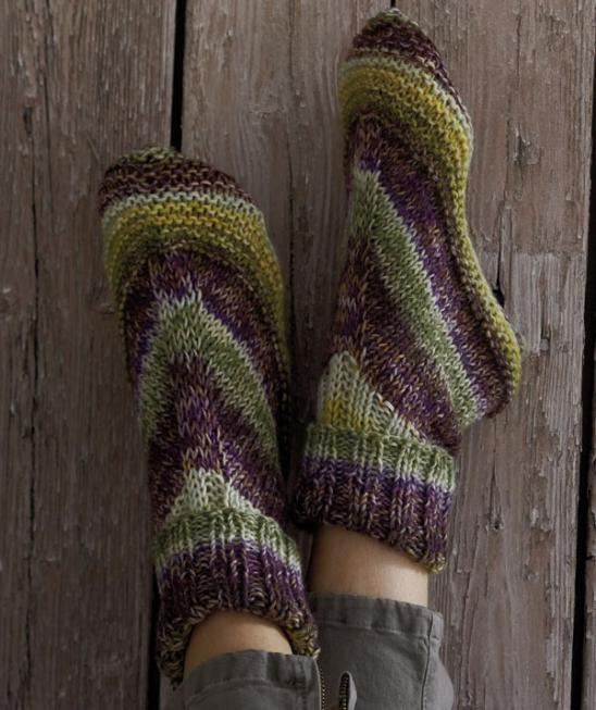 Free Knitting Patterns For Slippers And Socks : 20+ DIY Slipper Knitting Patterns - Page 2 of 3