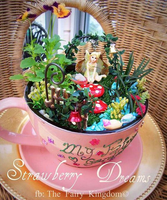 14 cute teacup mini gardens ideas page 3 of 3. Black Bedroom Furniture Sets. Home Design Ideas