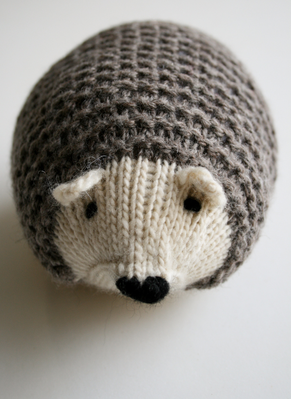 Knit Hedgehogs with Free Pattern - Cool Creativities