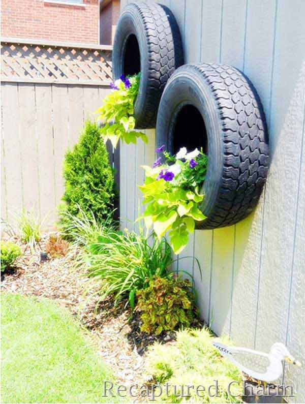 Cool DIY Ideas To Decorate Your Garden Fence 1