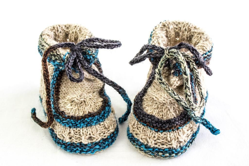 Lace Baby Booties Knitting Pattern : 40 + Knit Baby Booties with Pattern - Page 4 of 5