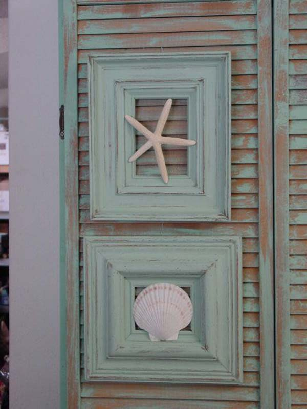 Beach Cottage Decor out of Old Frame and Seashells - Cool Creativities