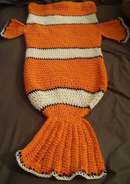 Crochet Nemo Cocoon style blanket free pattern