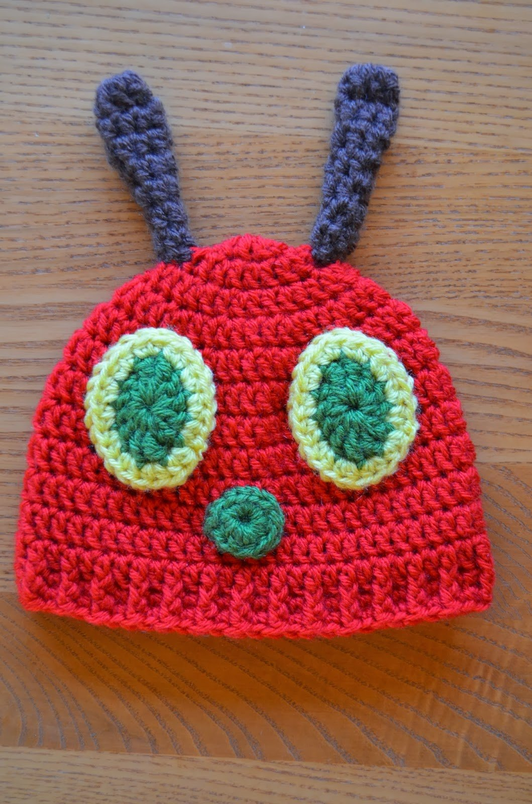 Very Hungry Caterpillar Crochet Hat Pattern Free : Crochet Hungry Caterpillar Cocoon and Hat Set with Free ...