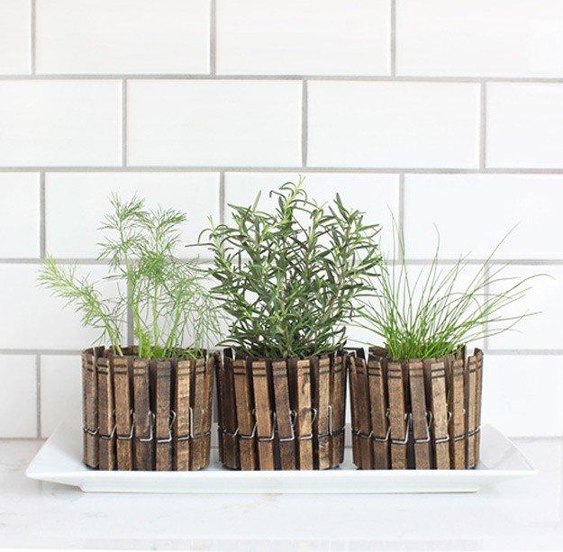 18 Indoor Herb Garden Ideas--DIY Clothespin Herb Planters