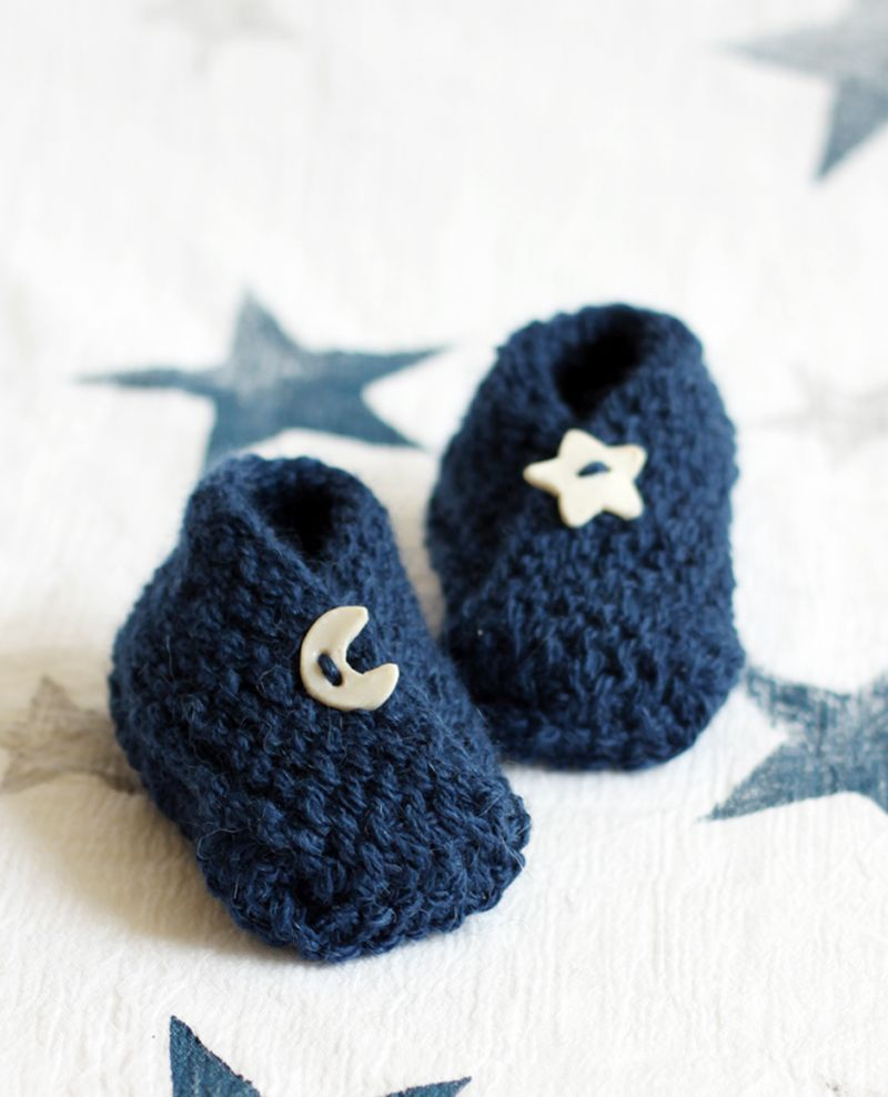 Knitted Bitty Baby Booties with Free Pattern