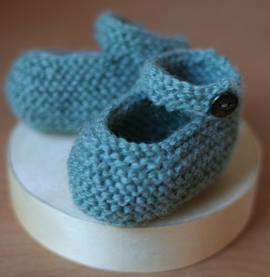 Knitting Baby Mary Jane Booties with Free Pattern