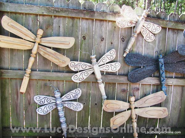 Using Dragonflies to Decorate Wooden Fence