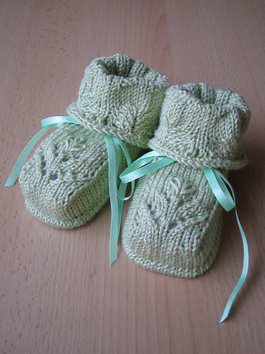 40 + Knit Baby Booties with Pattern - Page 3 of 5