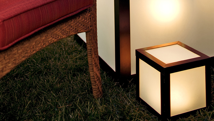 outdoor lighted cube table