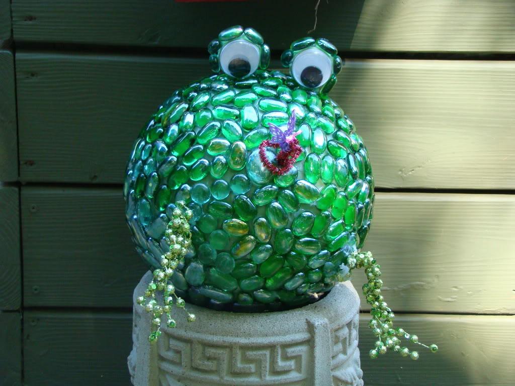 Frog Garden Art Ball