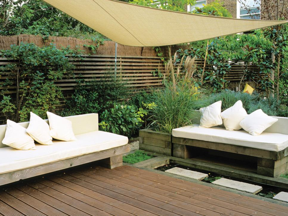 10 Creative DIY Outdoor Shady Space Ideas----Temporary Shade. For small gardens, temporary shade solutions take up less space and allow more flexibility. This sail-like screen creates shade and makes the garden feel more intimate. It can be taken down when not in use.