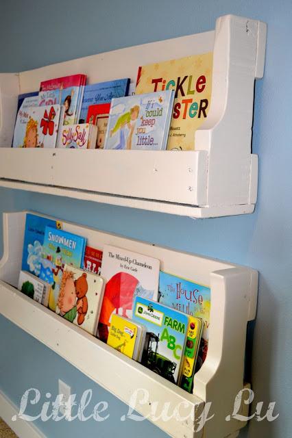 Wood Pallets Bookshelves