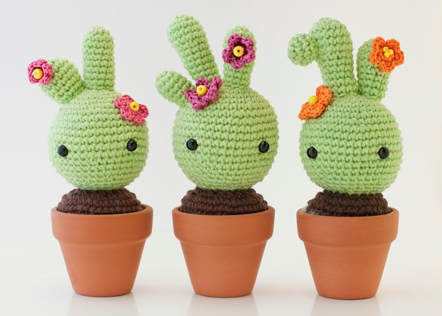 10+ Desert Cactus Amigurumi Crochet Patterns - Look ...