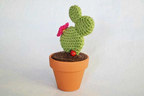 Prickly pear crochet cactus Amigurumi pattern