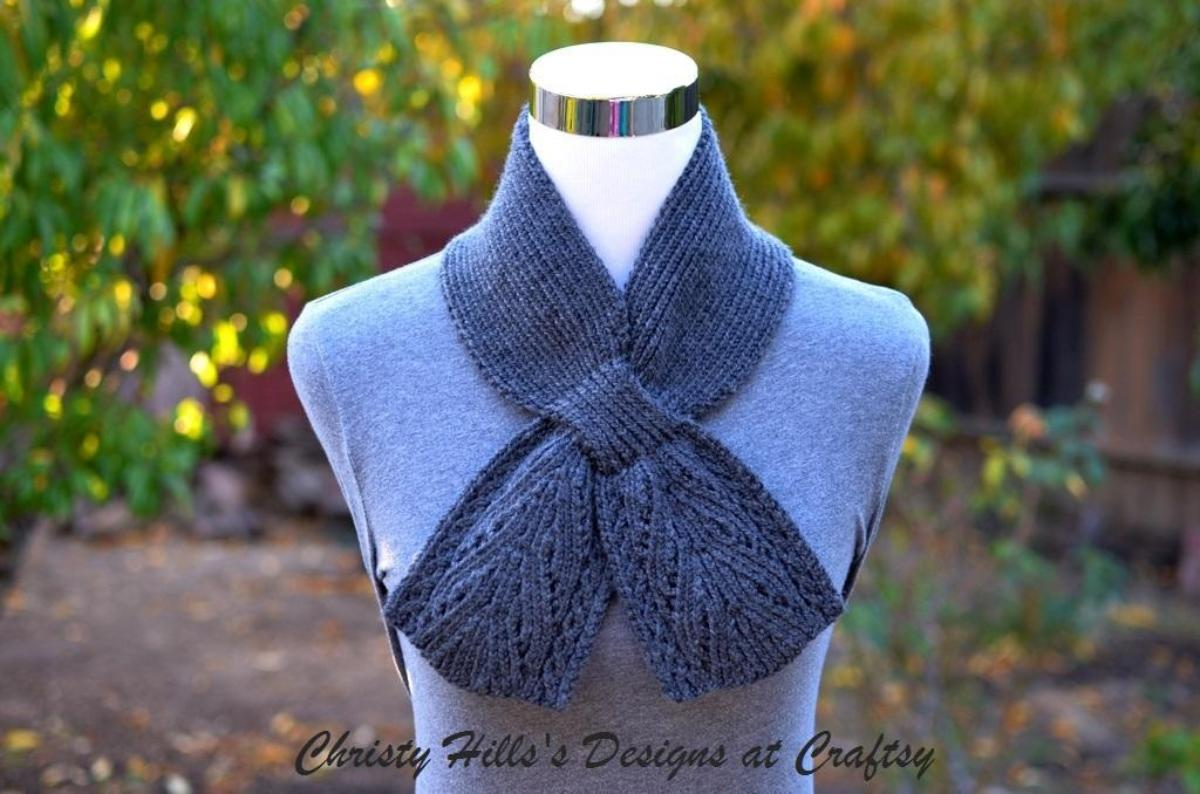 Knitted Keyhole Scarf Pattern : 10+ Keyhole Scarves and Shawl Knitting Patterns