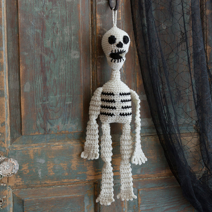 Hanging Skeleton Free Crochet Pattern