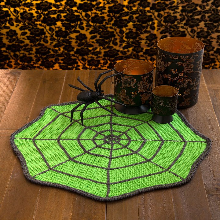 Spider Web Table Mat FREE Crochet Pattern p