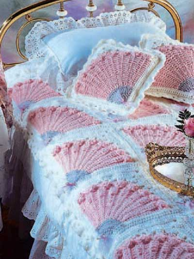 Ladys Fan Coverlet And Pillow Free Crochet Pattern Cool Creativities