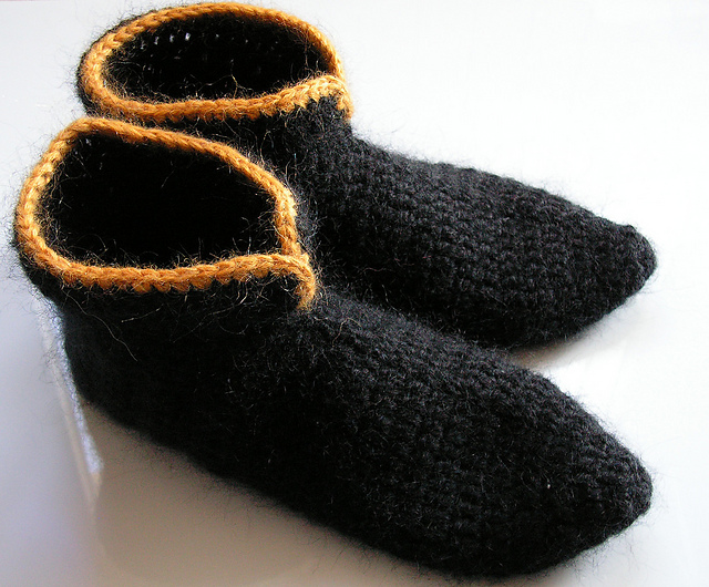 Women Elf Slippers Free Crochet Pattern