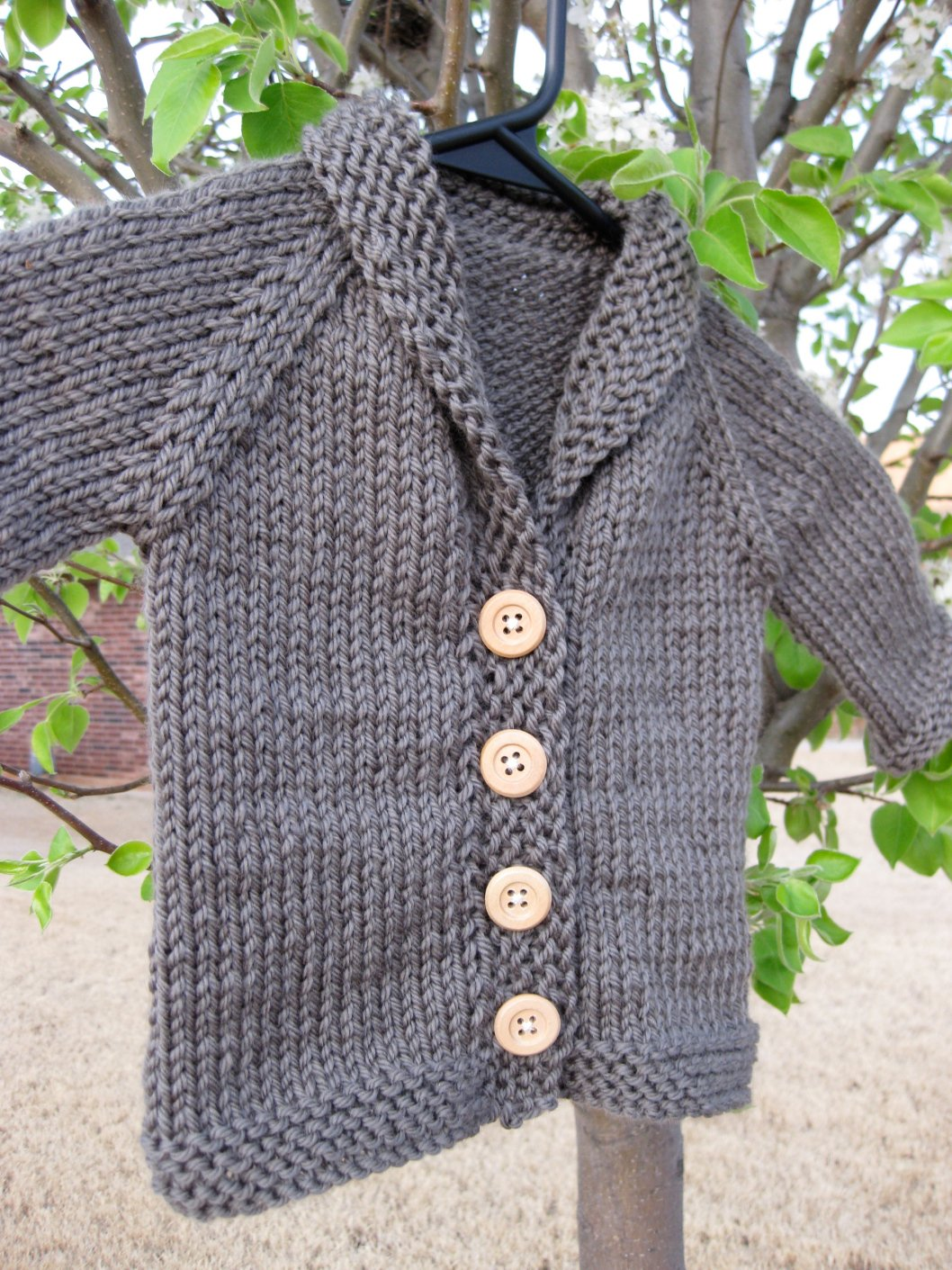 10 Free Baby Sweater Knitting Patterns