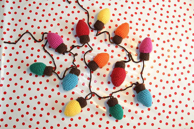 Christmas Lights Garland Free Crochet Pattern