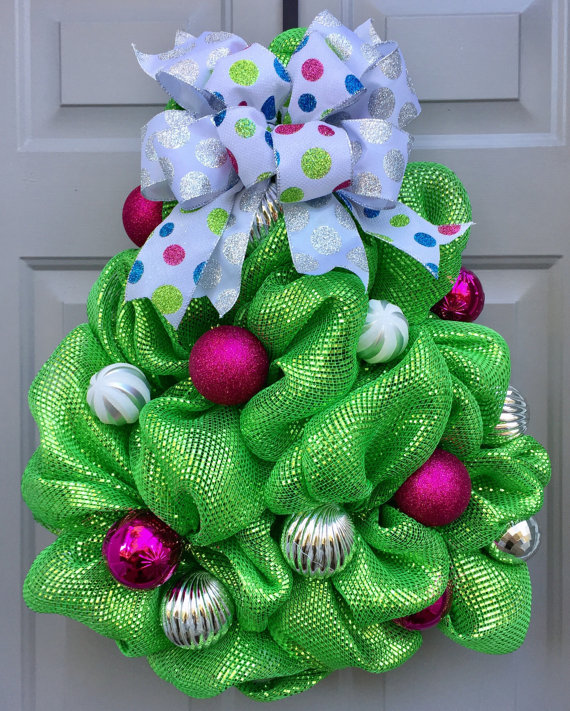 Creative Wreath Ideas: 10+ Creative Christmas Deco Mesh Wreath Ideas